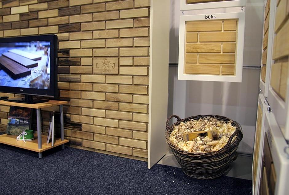 IT'S WOOD falburkolat rendszer standja a Pécs Expón